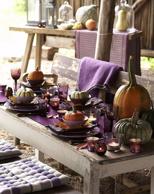Thanksgiving decor ideas in purple outdoor