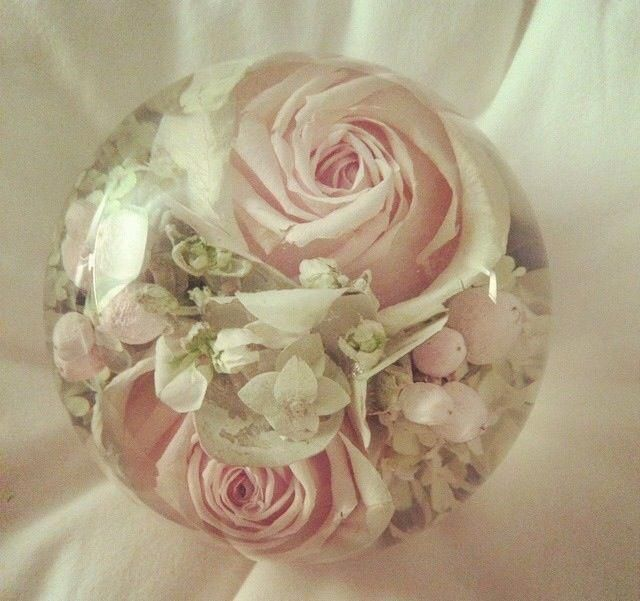 Preserving Your Wedding Dress: How Amazing! Preserving Your Wedding Bouquet In Resin