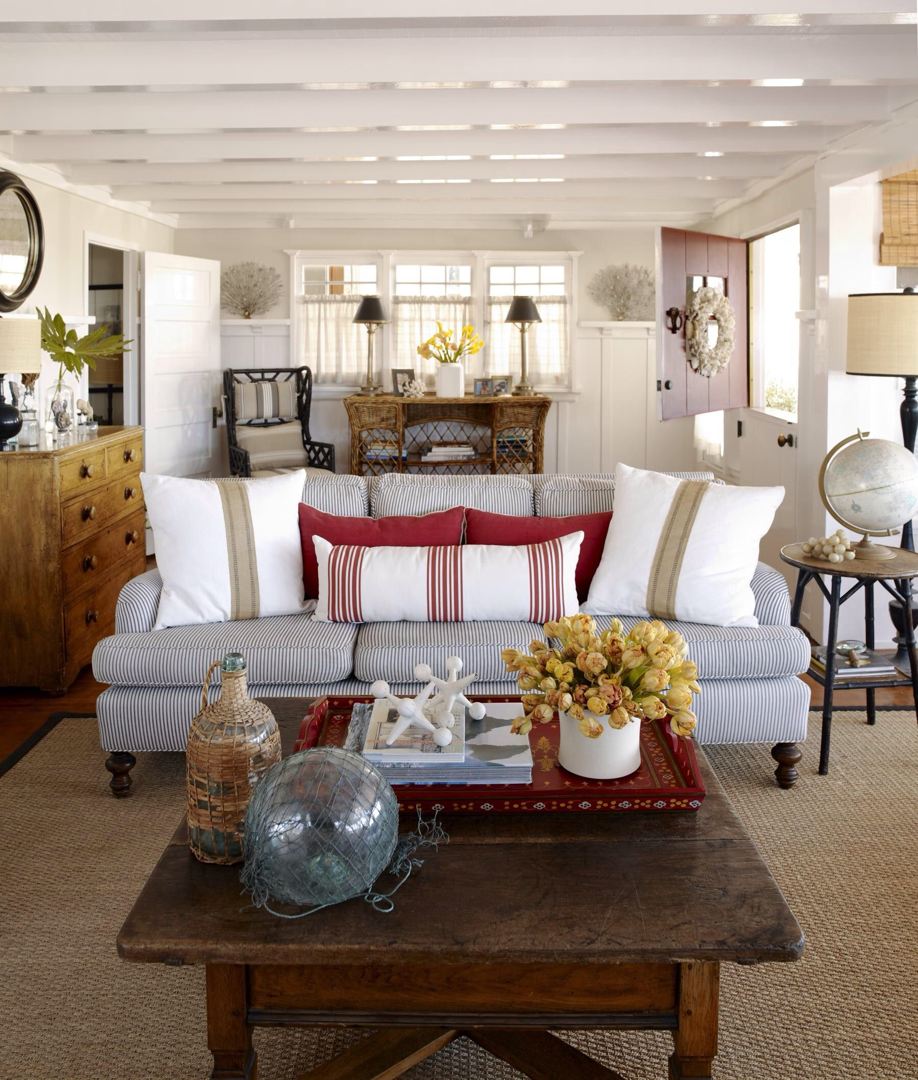 Great Ideas Of Luxury Beach Cottage Living Room For Visit