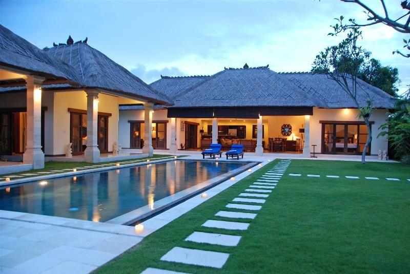 Bali villa 4 bedroom