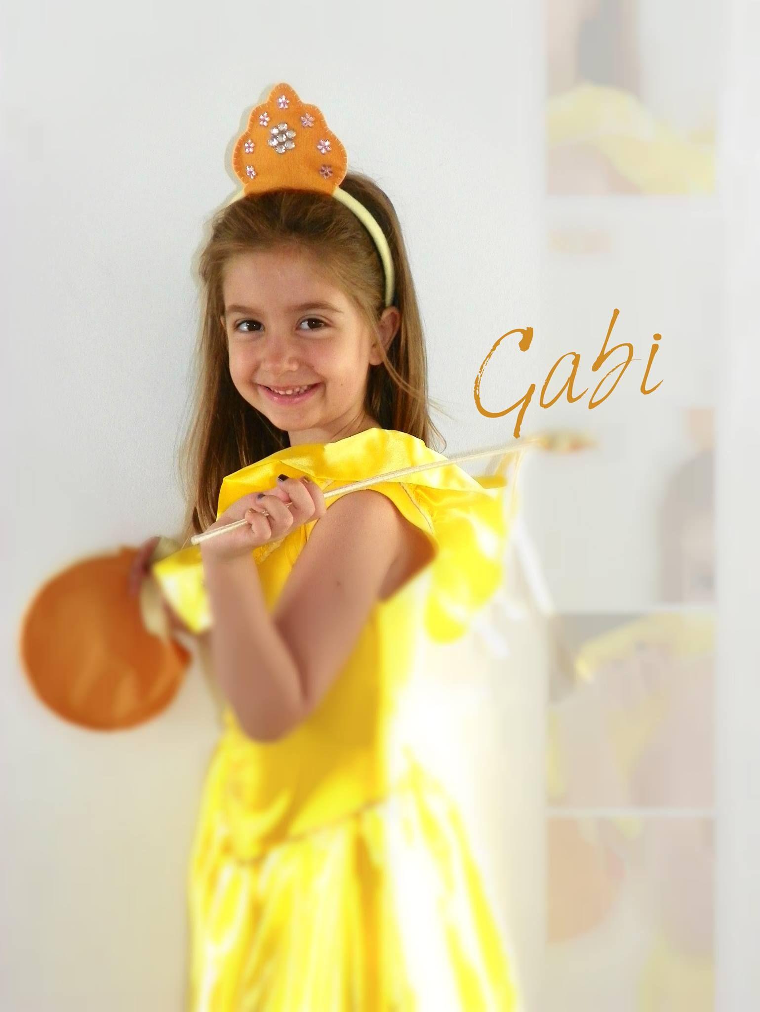Querida Princesinha Gabi usando Lembrancinha Tema Princesas Disney!