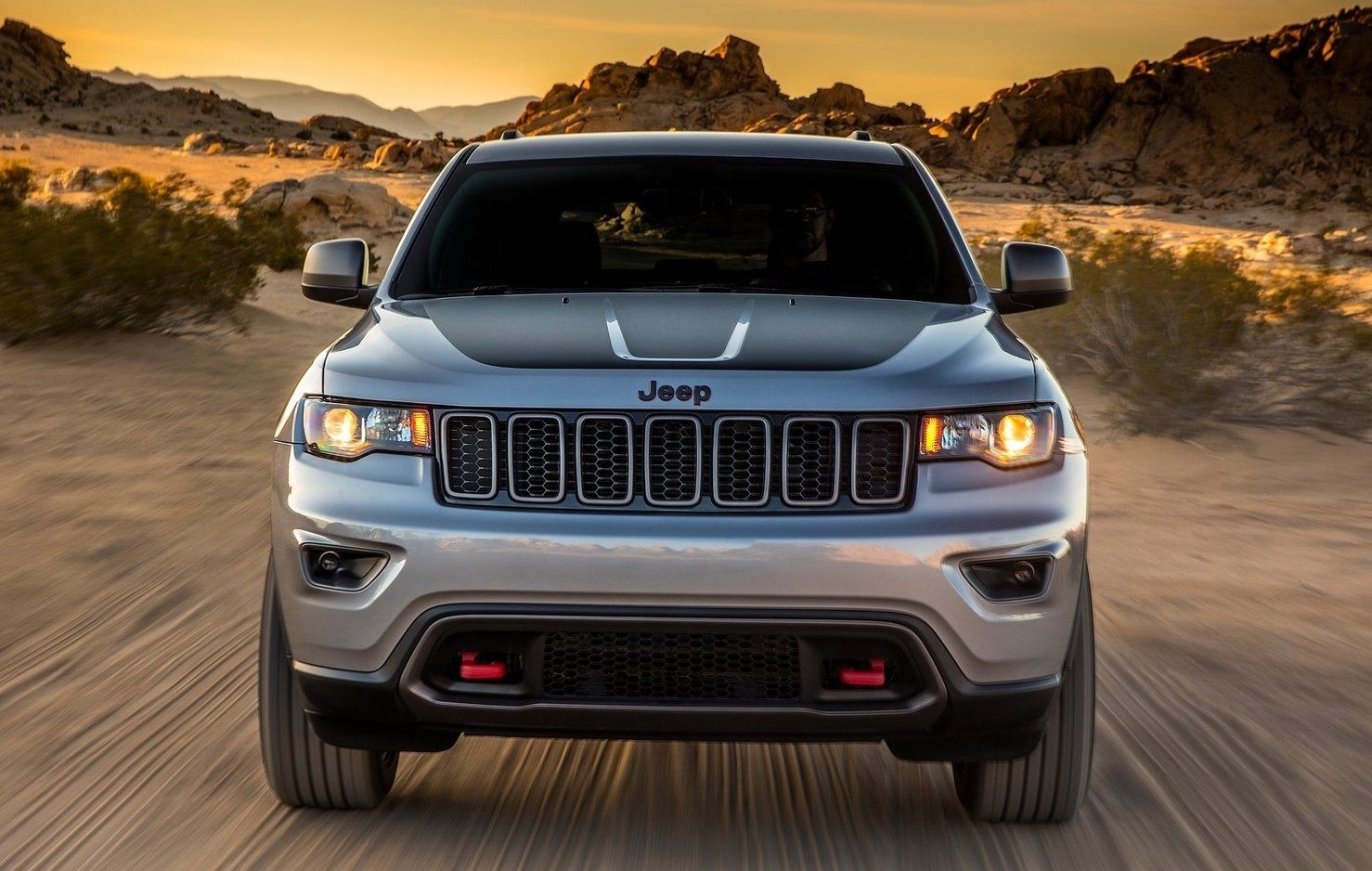 The Year 2020 Will Be Huge For Cars And When I State Cars I Suggest Suv Cars In This Post We Will Present The 2020 Jeep Cherokee This Suv Is Most Likely Th