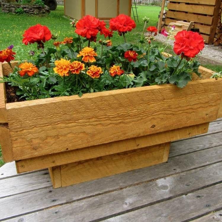 Bac fleurs en bois faire soi m me plus de 52 id es diy id es bac fleurs fleurs en for Jardin en bac
