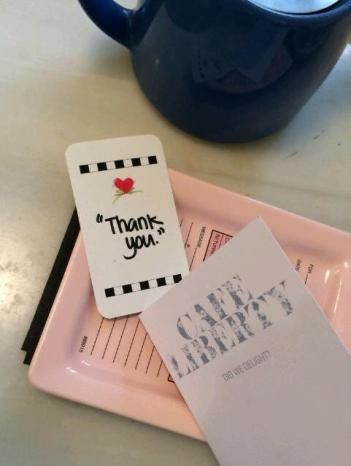 A 'Thank You' Heart Hopper is left at a restaurant in Denmark and greeted with a BIG smile.