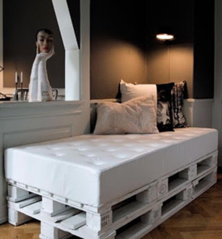 Wooden Pallet Crate Bed Furniture Storage Day Bed