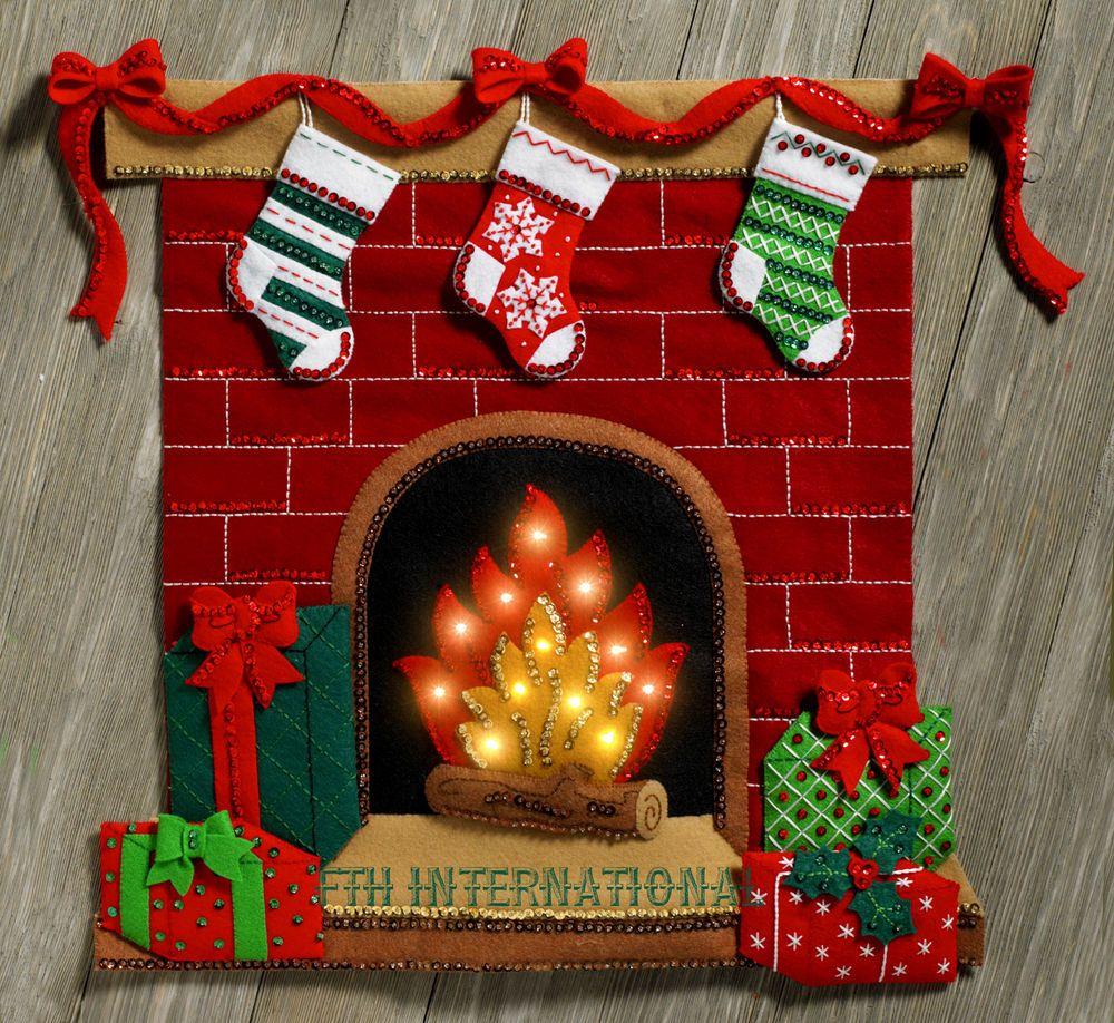 Details about Bucilla Fireside Glow Felt Christmas Wall
