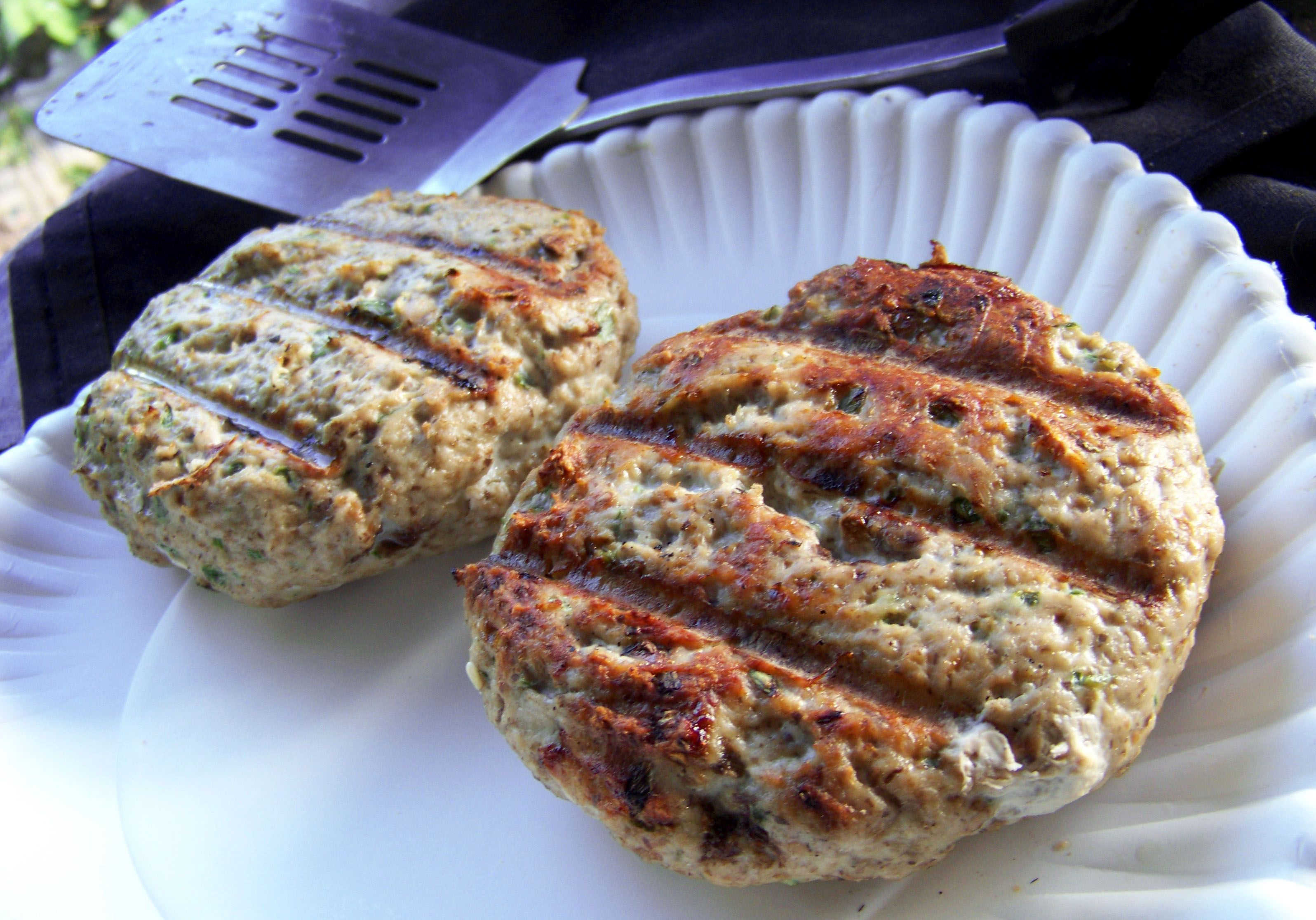 An Easy Way To Grind Your Own Turkey Burgers Without A Fancy Meat Grinder Turkey Burger Recipes