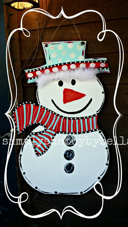 Photo of Tall Wood SNOWMAN Colgador de puerta, Colgador de puerta de Navidad, Colgador de puerta de invierno. Personalización GRATUITA
