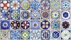 Risultati immagini per piastrelle ceramiche siciliane ceramica caltagirone quilts design e bed - Piastrelle siciliane decorate ...