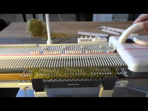 Strikke løpemønster på en LK150 / Manual slip stitch on a LK150 ...