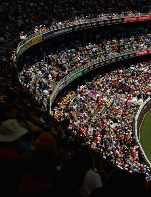 The fans enjoy the opening exchanges of the Ashes, Australia v England, 1st Test, Brisbane, 1st day, November 21, 2013