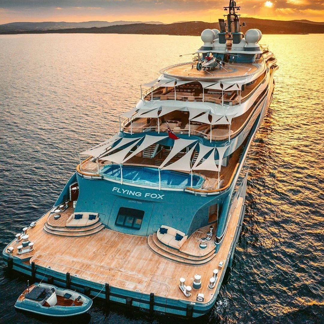 Epingle Par Massi Idir Sur Yachts En 2020 Luxury Boat Yacht