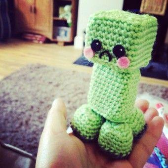 Free Knitting Pattern Minecraft Creeper Crochet Amigurumi - Crochet Minecraft, Crochet Creeper