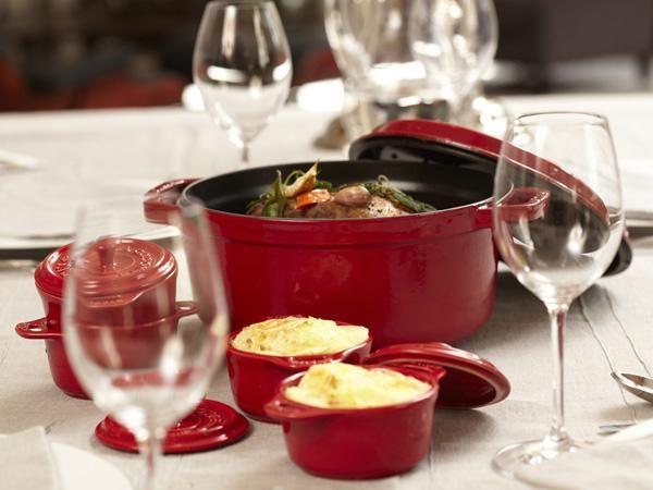 Les Cocottes Staub Cadeaux Pour Gourmands Et Gastronomes Classic Food Food French Cooking