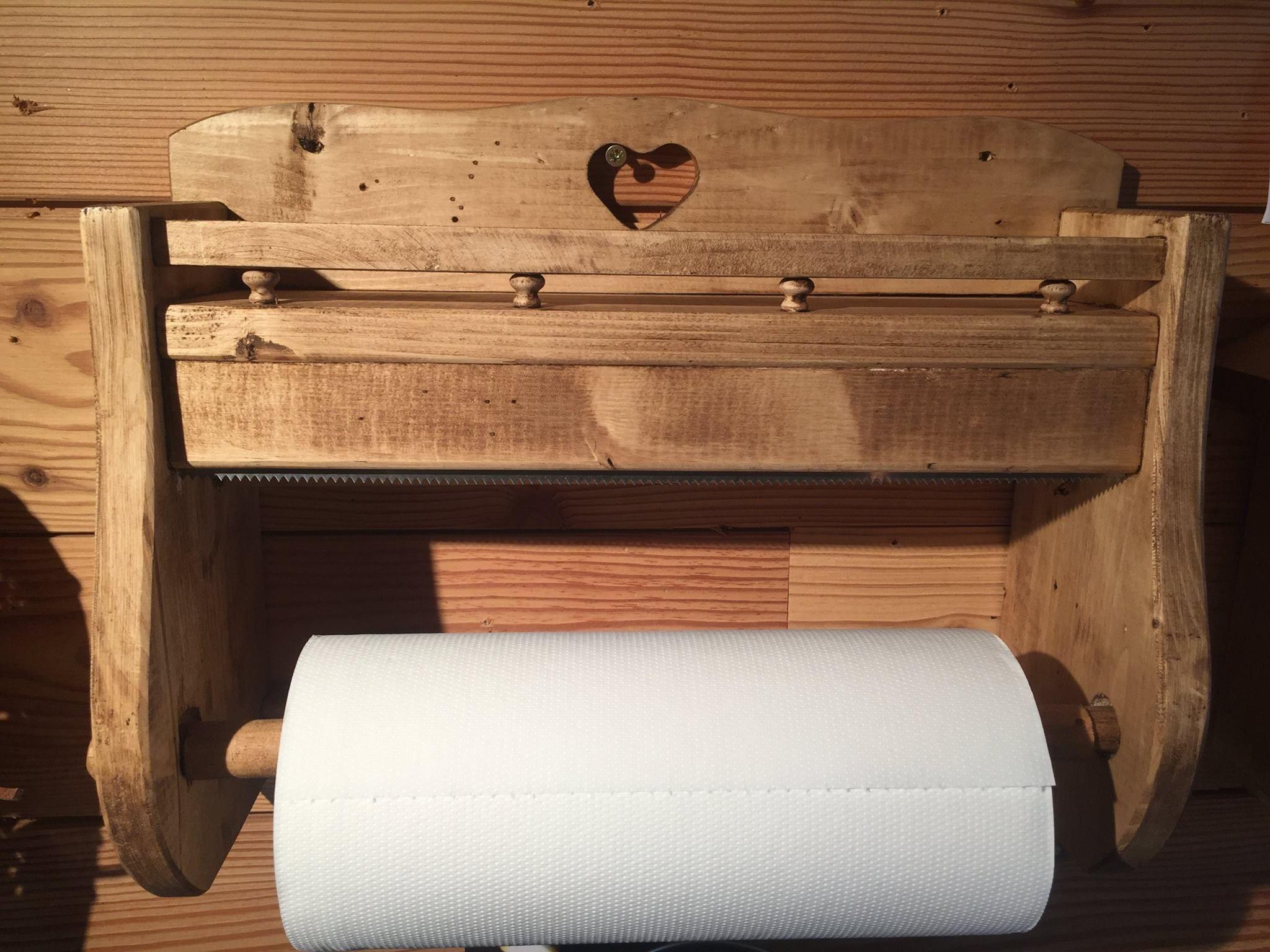 Un dérouleur essuie tout en pin ciré pour votre cuisine style ...