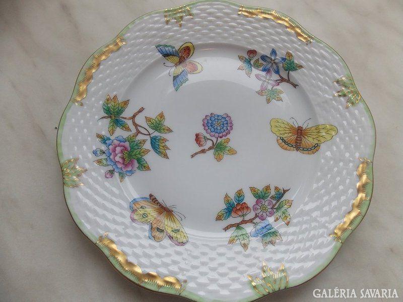 Herendi sütis tányér Viktória mintával festve, hibátlan állapot!517 formaszám, 19 cm!
