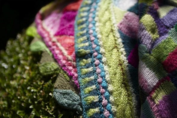 Intricate knitted edgings to baby blankets