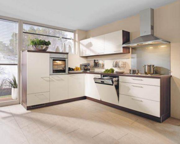 Moderne einbauk che mit einer front in kunststoff for Nolte kuchen front magnolie