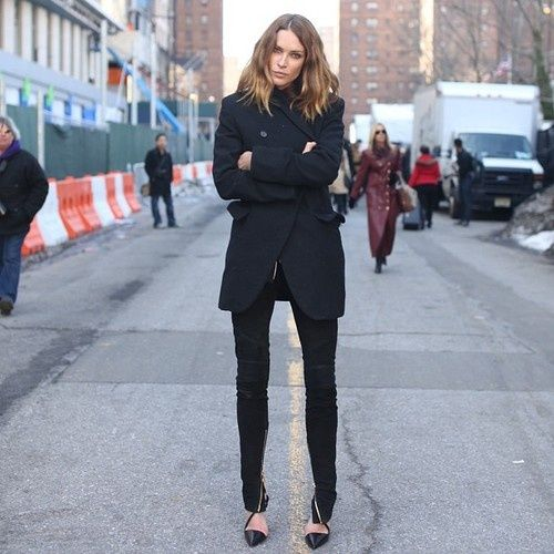 All black outfit || Erin Wasson