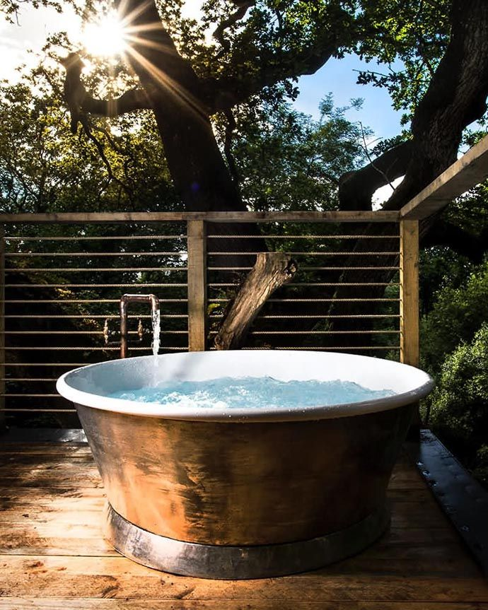 In The Trees In Luxury Luxury Tree Houses Treehouse Hotel Hot
