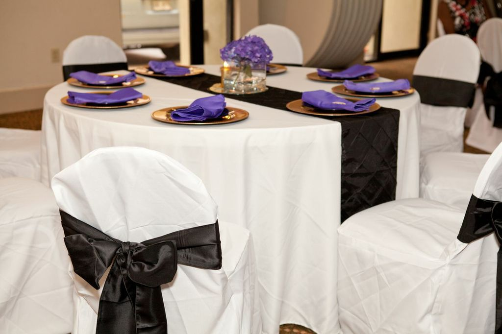 Tables Were Covered With White Linen Tablecloths And Black Pintuck Table  Runners And Chairs Were Dressed