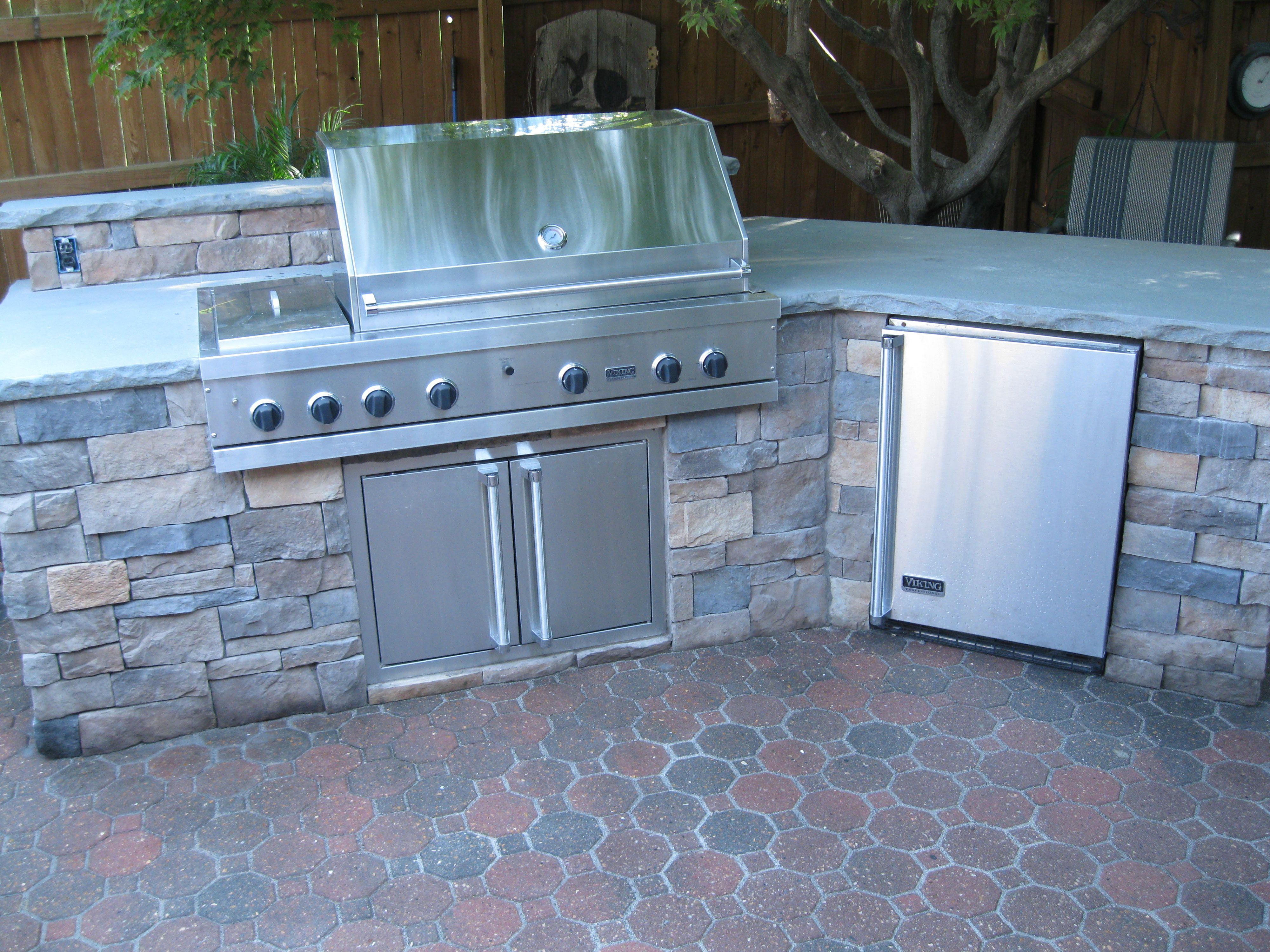 Awesome Bar, Grill, Fridge, And Concrete Countertops!! #patio #patiolife