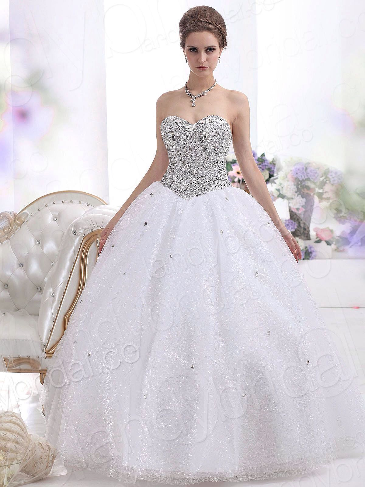 Image from http://sangmaestro.com/wp-content/uploads/2014/04/strapless-ball-gown-wedding-dresses-with-floor-length.jpg.
