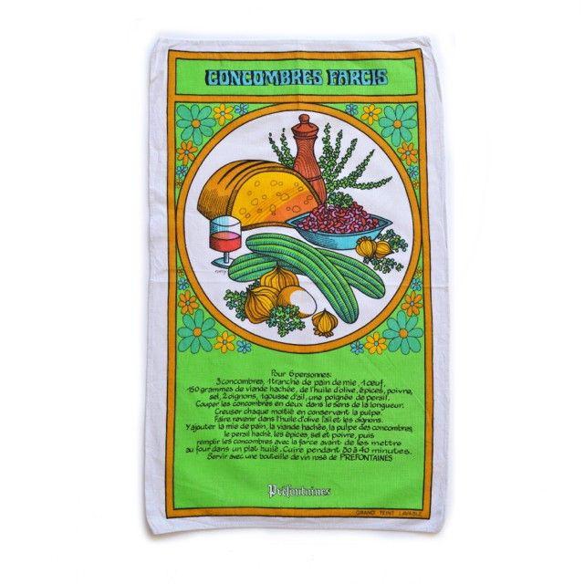 <p>Torchon Recette vintage pour la marque Préfontaines avec la recette des concombres farcis et jolis dessins très seventies, en pur coton, fabriqué en France, état d'usage. Pour faire un cadeau original et utile ! On aime son côté kitsch et utile à la fois !</p>