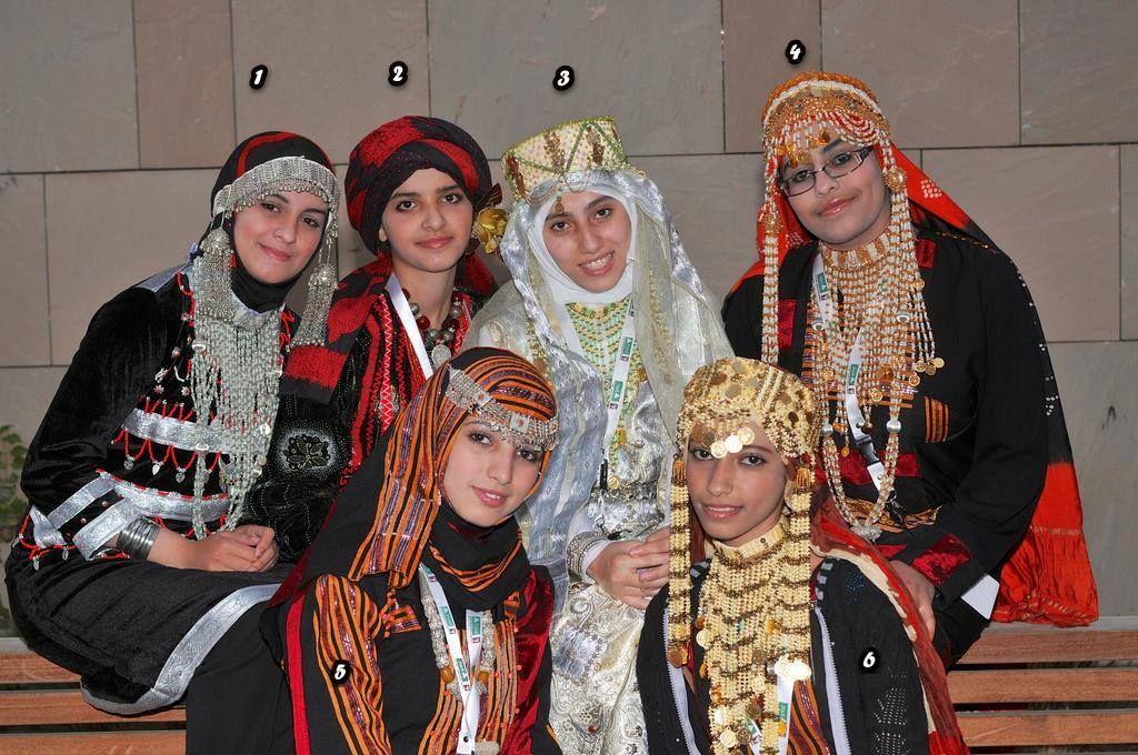 ملابس تقليدية Yemeni Clothes Yemen Clothes Costumes Around The World