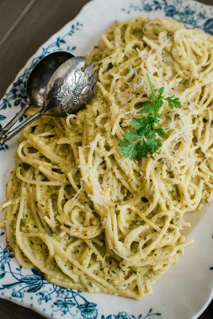 Espagueti Verde (Spaghetti with Creamy Poblano Sauce) + Video