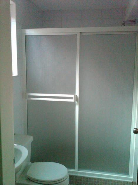 Mobiliario ba o puertas de ducha en pl stico duchas en - Modelos de banos y duchas ...