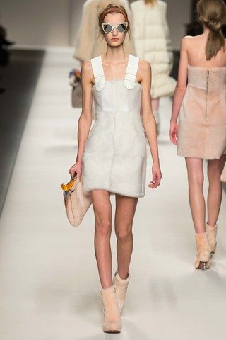 Fendi Fall 2015 Ready-to-Wear Collection Photos - Vogue