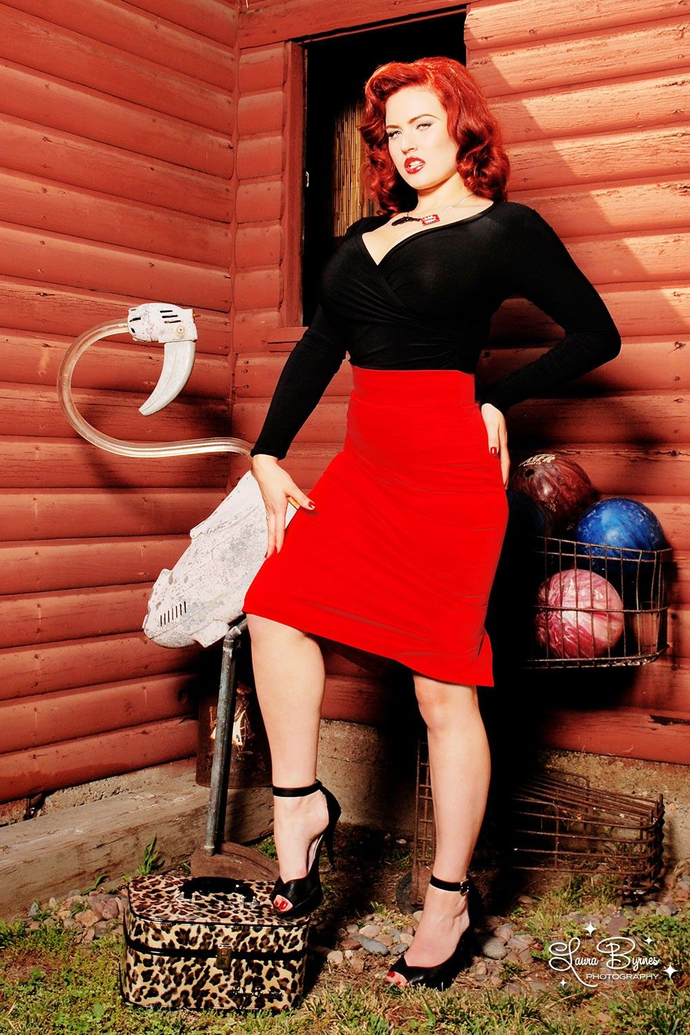 Pinup Couture Pencil Skirt in Red