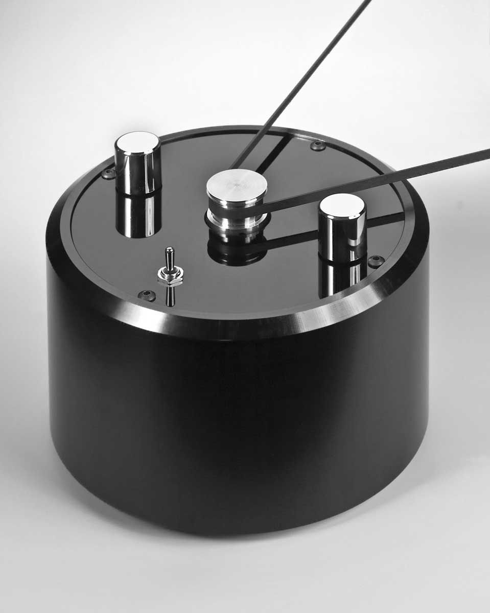 sheu dc motor speed control for any low mass turntable