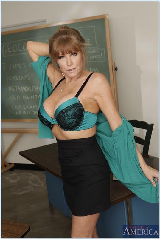 Paris photography nude mature women