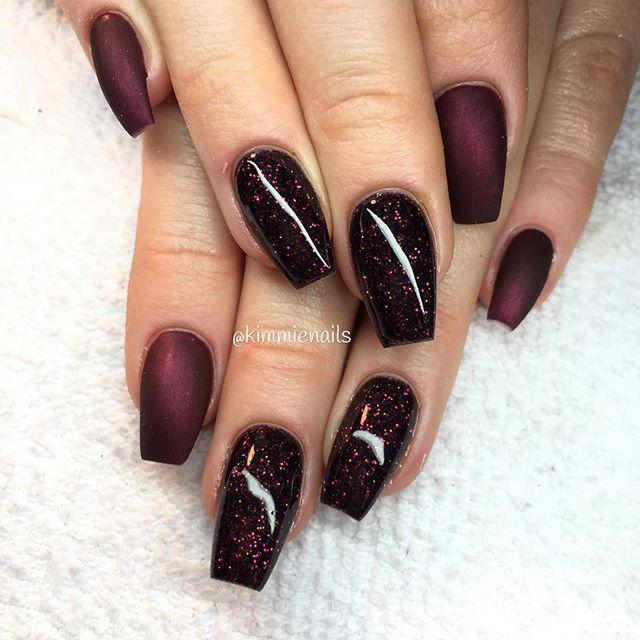 Kim On Instagram Black Cherry Matte And Red Violet Glitter Naglar Nagelkar Nagelteknolog Nagla Short Acrylic Nails Goth Nails Halloween Acrylic Nails