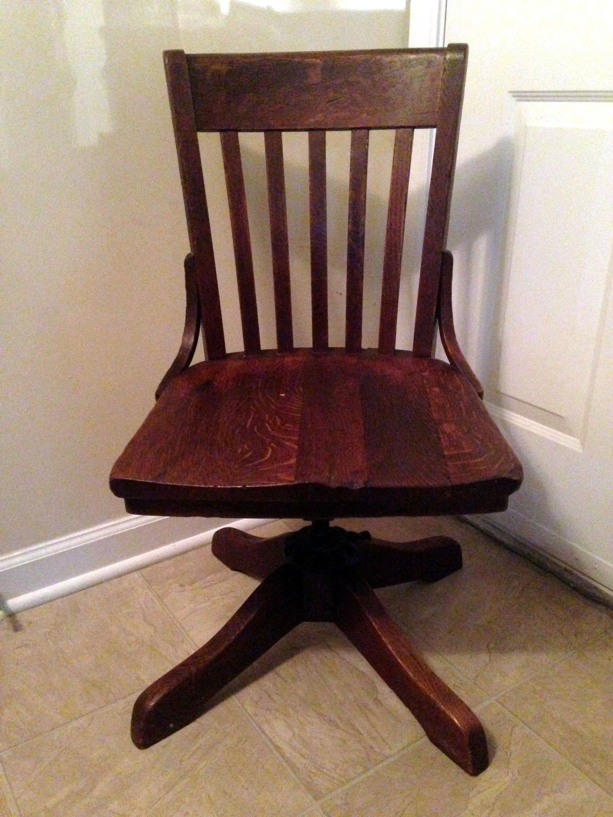 Antique wooden desk chair - 1914 Antique Milwaukee Chair Co Wood Oak Bankers Office Desk Stationery Swivel Ebay