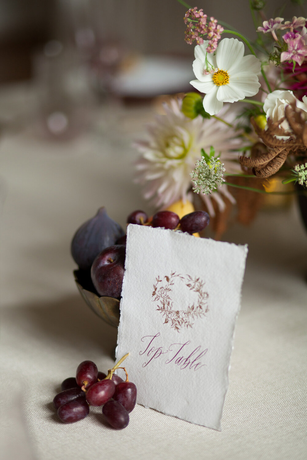 Calligraphy table card by Mathilda Lundin Calligraphy