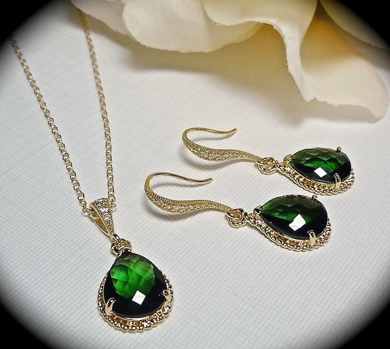 Emeraldearringsandnecklacesetteardropby