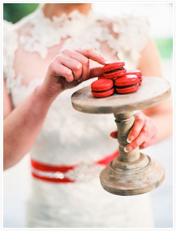A Valentine's  inspired shoot from Lisa O'Dwyer Phtography // Reverie Magazine http://reveriemag.com