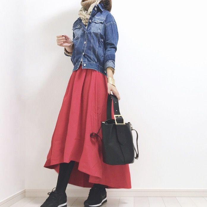 「カラースカート コーデ」の画像検索結果