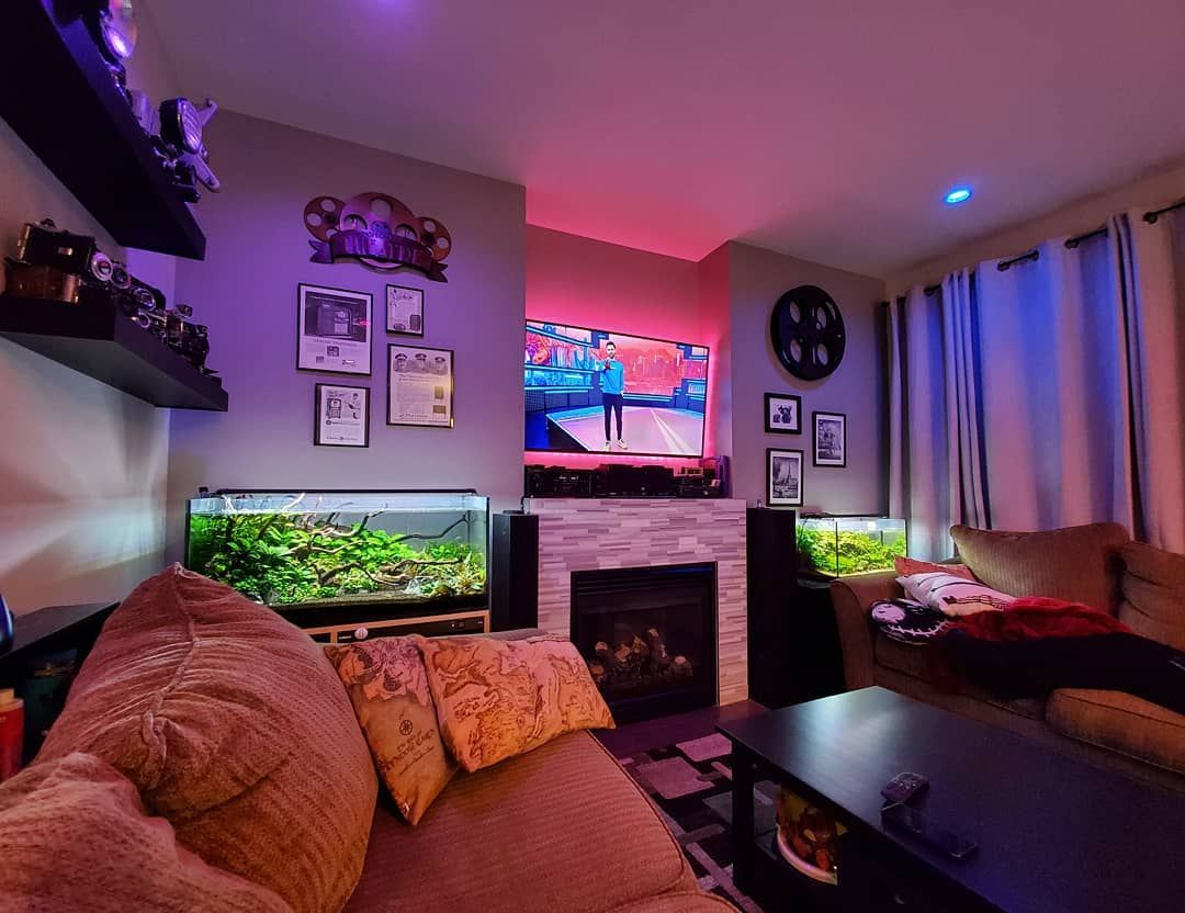 Weird stressful day, but having fun with wide angles to relax.  #plantedtank #philipshue #wideangle