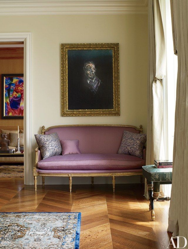 How to Decorate Your Walls with Portraits is part of Trendy living rooms - Enchanting portraits add personality to these rooms