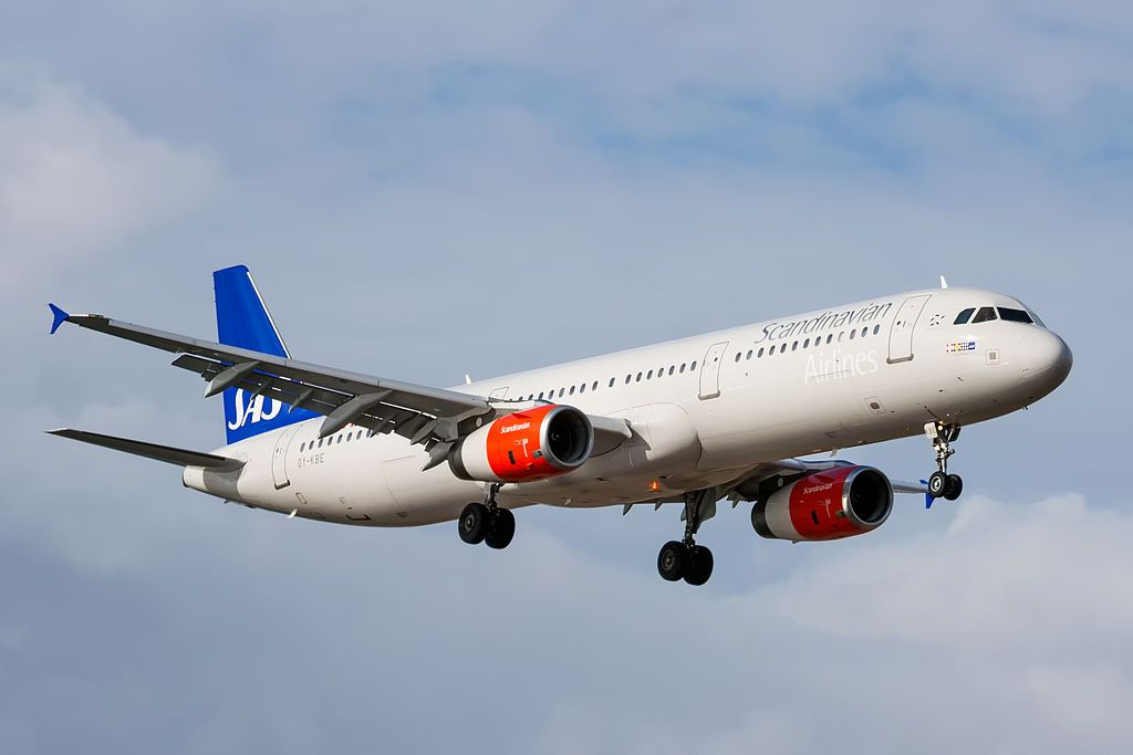Oy Kbe Airbus A321 232 Emma Viking Of Sas Scandinavian Airlines At Lanzarote Airport Fleet Lanzarote Airport Airbus