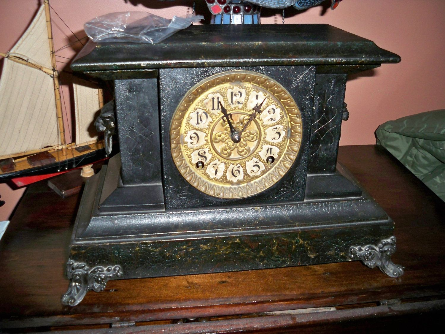 Antique Victorian E Ingraham Mantle Clock Circa 1890s More Than 100 Years Old 125 00 Via Etsy Vintage Mantle Clocks Vintage Clock Antique Clocks