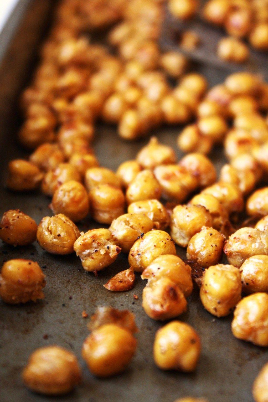 Crispy Garlic Bread Chickpeas [21 Day Fix]