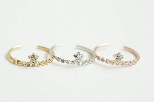DAINTY STAR KING CROWN KNUCKLE RING,,SKD346