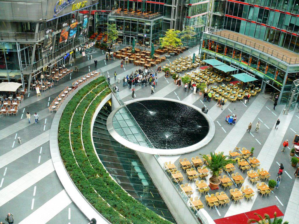 Sony Center Berlin Murphy Jahn商业街中心广场鸟瞰 Water