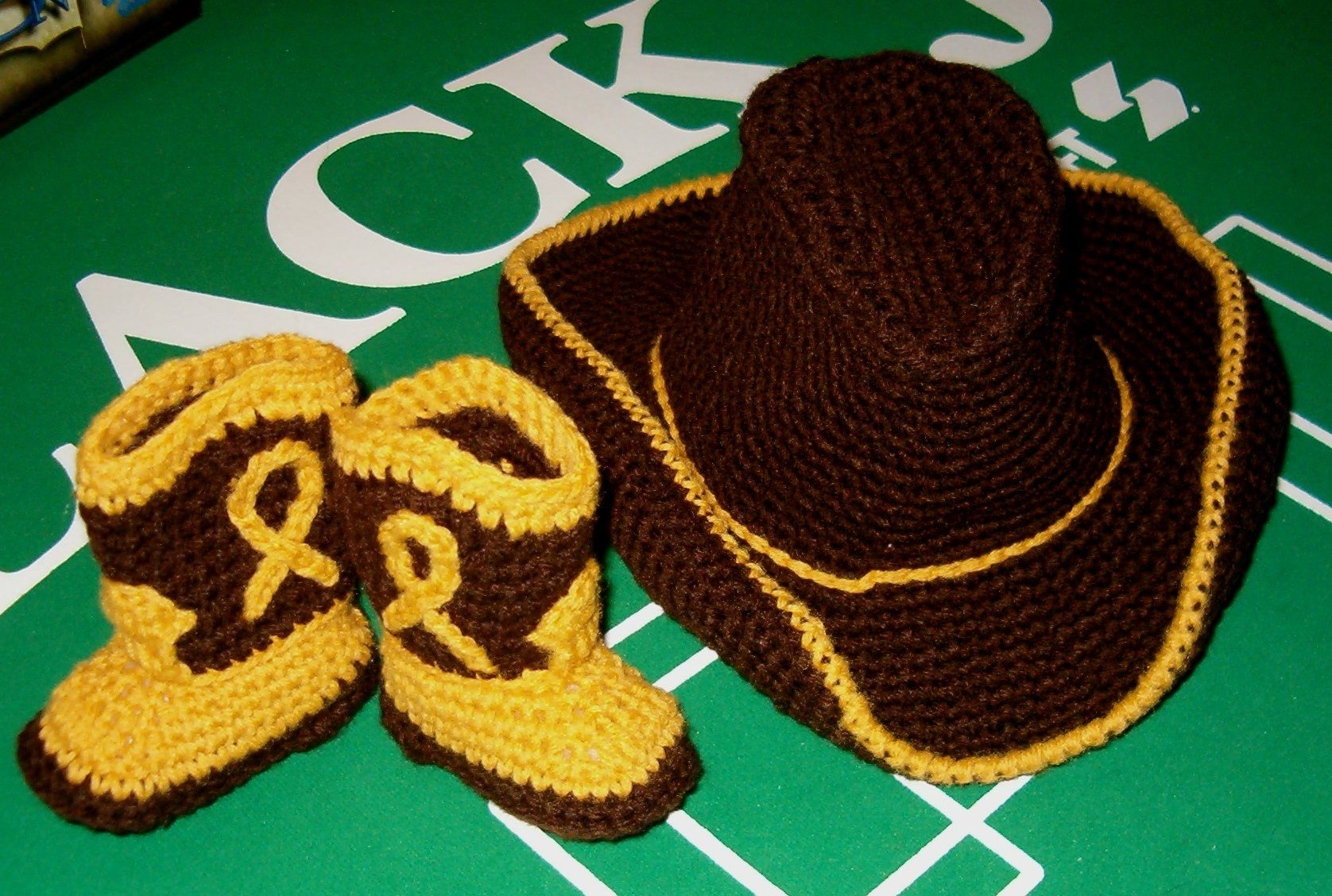 Crochet Baby Cowboy Hat And Boots Pattern Free : ravelry free cowboy hat pattern Cowboy hat & boots for ...