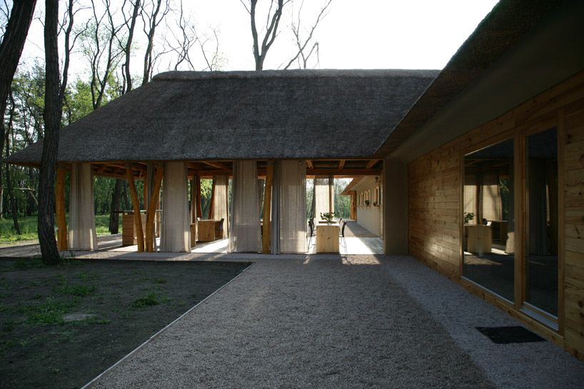 Friendhouse Ecohotel By Ryntovt Design Thatched House Hotel House Roof